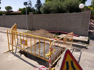 Represa de les obres del cablejat de la fibra òptica al municipi
